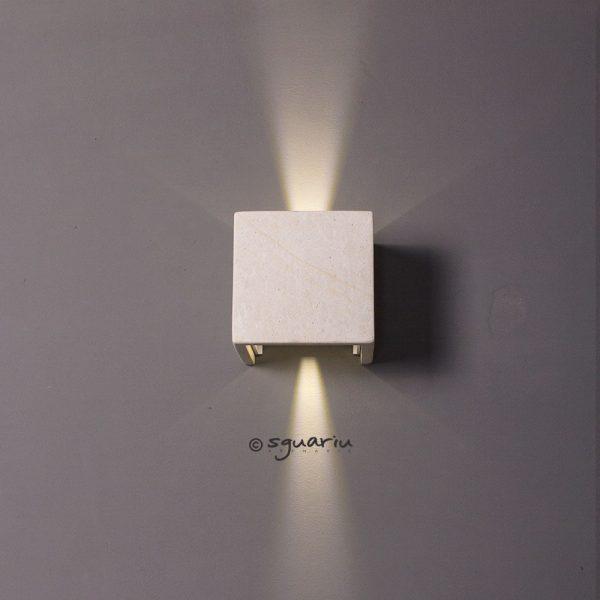 Faretto led cubo da esterni in pietra leccese angolo luce stretto