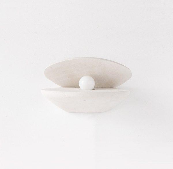 Applique in pietra leccese a forma di perla
